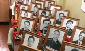 Αφηγήσεις για την βύθιση του υποβρυχίου Κουρκ στη Ρωσία