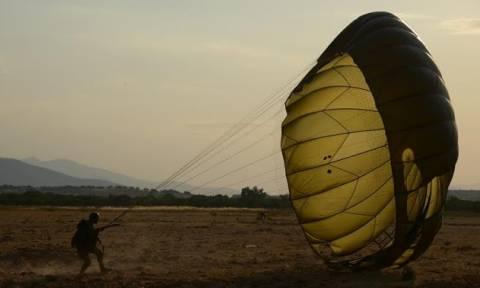 Ο Α/ΓΕΕΘΑ στην απονομή πτυχίων και πτερύγων αλεξιπτωτιστού σε Ευέλπιδες (pics)
