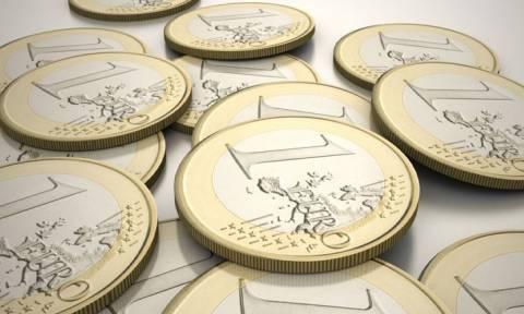 Το ευρώ υποχωρεί κατά 0,33% στα 1,1118 δολ.