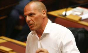 Μνημόνιο 3: Βαρουφάκης - Παραμένει απολύτως μη βιώσιμη η συμφωνία