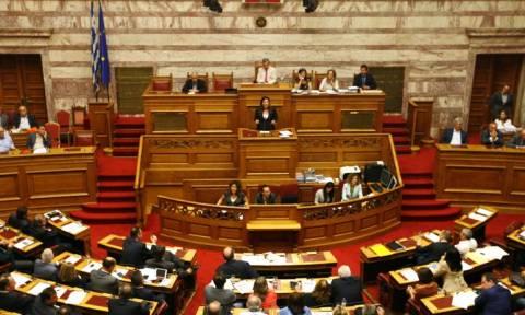 Βουλή - LIVE: Με 222 ΝΑΙ ψηφίστηκε το μνημόνιο 3