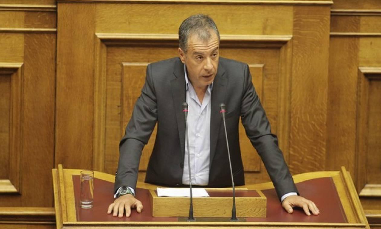 Θεοδωράκης: Η Ελλάδα έχει ανάγκη από κυβερνήσεις συνεργασίας