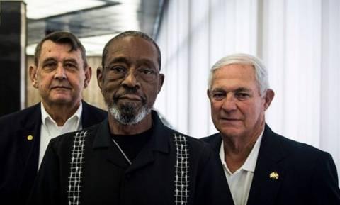 Κούβα: 54 χρόνια μετά οι ίδιοι πεζοναύτες ανεβάζουν πάλι την σημαία των ΗΠΑ