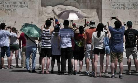 TUI: Ανάκαμψη στις κρατήσεις για την Ελλάδα