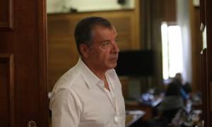Θεοδωράκης: Η χώρα δεν έχει σωθεί ακόμη