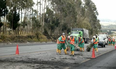 Σε κατάσταση εκτάκτου ανάγκης ο Ισημερινός: Ξύπνησε το ηφαίστειο Κοτοπάξι (photos)