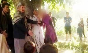Αφγανιστάν: Άγριος ξυλοδαρμός πατέρα και κόρης μετά από υπόδειξη… μάντη! (video)