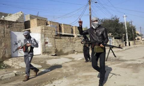 Ιράκ: Παραπέμπονται σε στρατοδικείο όσοι εγκατέλειψαν τη θέση τους στο Ραμάντι