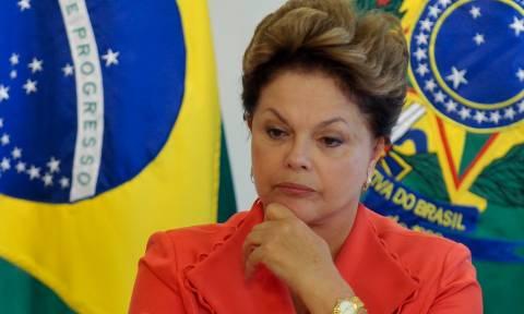 Βραζιλία: Γιγαντώνεται το κλίμα δυσαρέσκειας κατά της προέδρου - Διαδηλώσεις σε όλη τη χώρα