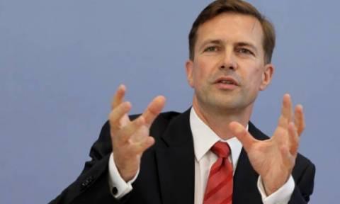 Ζάιμπερτ: Επιτυχία το ότι δεν μιλάμε για ονομαστική διαγραφή του ελληνικού χρέους