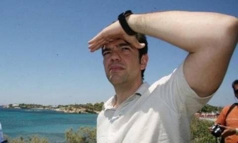 Μετά τη Μήλο στη Σίκινο ο Αλέξης Τσίπρας - Δείτε με τι ταξίδεψε (photo)