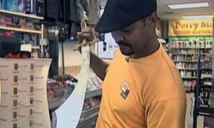 Ληστεία – παρωδία: Ο ληστής είχε μαχαίρι αλλά ο καταστηματάρχης κάτι… μεγαλύτερο (video)
