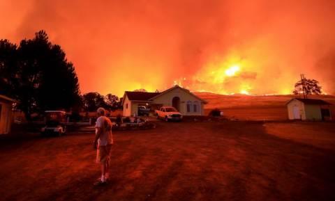 «Κόλαση» φωτιάς στις δυτικές πολιτείες των ΗΠΑ