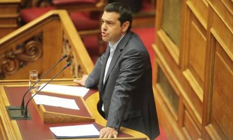 Ο Τσίπρας κλείνει τη Βουλή για να περάσουν οι εφαρμοστικοί από τα θερινά τμήματα