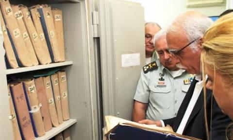 Επίσκεψη ΑΝΥΕΘΑ Δημήτρη Βίτσα στη Διεύθυνση Ιστορίας Στρατού (pics)