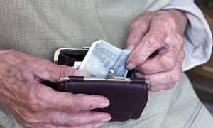 Στον «αέρα» η εφαρμογή των αλλαγών σε συντάξεις και ρυθμίσεις χρεών