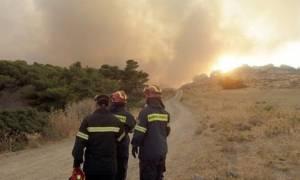 Ξυλόκαστρο: Χειριστής μηχανήματος αναζητείται ως ύποπτος για τη φωτιά - Σε ύφεση το πύρινο μέτωπο