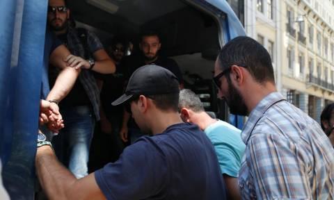 Έγκλημα στην Ύδρα: Τι απαντά ο Παρασκευόπουλος για την αποφυλάκιση των Γεωργιανών