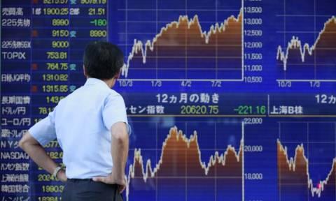 Aσφυκτικές πιέσεις στην παγκόσμια οικονομία από τη πτώση στο χρηματιστήριο του Τόκιο