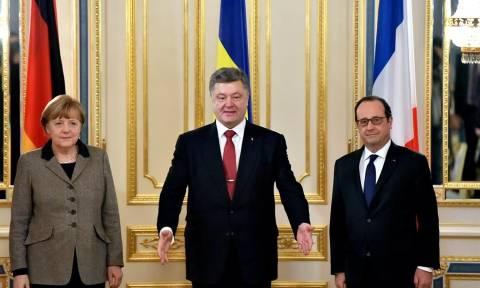 Μέρκελ, Ολάντ και Ποροσένκο: Πρέπει να εφαρμοστεί η συμφωνία του Μινσκ