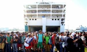 Στον Πειραιά το «Ελευθέριος Βενιζέλος» με 2.500 πρόσφυγες