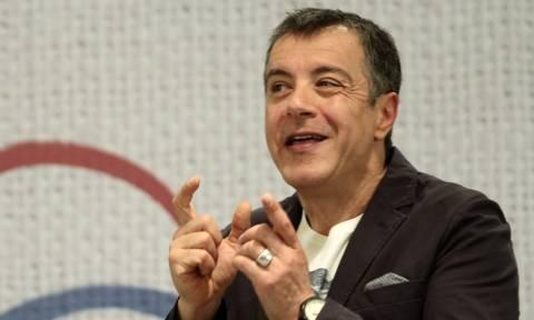 Εκλογές 2015 – Ο Θεοδωράκης καλεί τους πολιτικούς αρχηγούς σε ντιμπέιτ