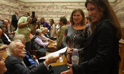 Εκλογές 2015 - Τον Γλέζο καλεί η Κωνσταντοπούλου στις συνεδριάσεις της Ολομέλειας