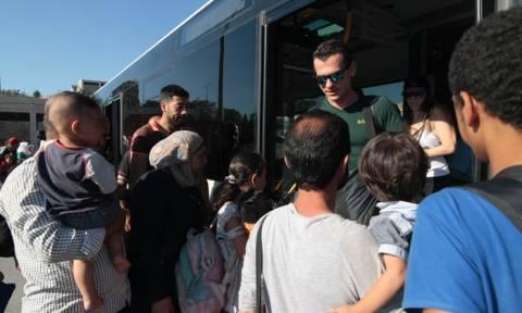 Καβάλα: Αποβιβάστηκαν στο λιμάνι 450 Σύροι πρόσφυγες