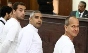 Αίγυπτος: Τρεις δημοσιογράφοι του Αλ Τζαζίρα καταδικάστηκαν σε κάθειρξη τριών ετών