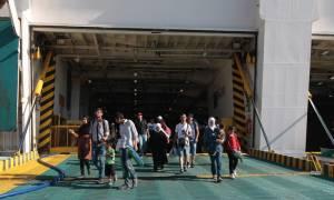 Περισσότεροι από 2.100 πρόσφυγες αναμένονται το βράδυ (29/8) στον Πειραιά