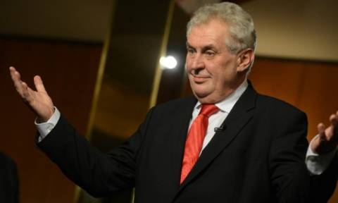 Εμπρηστική δήλωση από τον Τσέχο πρόεδρο: «Η χώρα μου θα μπει στο ευρώ μόλις αποχωρήσει η Ελλάδα»