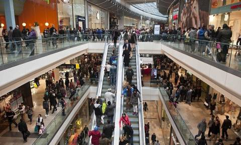 Κάμψη του όγκου πωλήσεων στο λιανικό εμπόριο