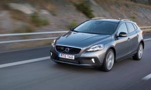 Volvo: Νέο V40 και V40 Cross Country 1.5 T3 automatic (photo)
