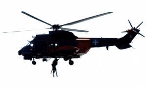 Δείτε δύο δραματικές διασώσεις από ελικόπτερο Super Puma στη Χίο (videos)