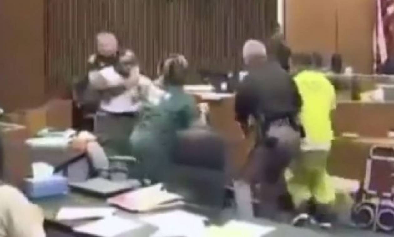 ΗΠΑ: Πατέρας επιτέθηκε στο δολοφόνο της 3χρονης κόρης του (video)