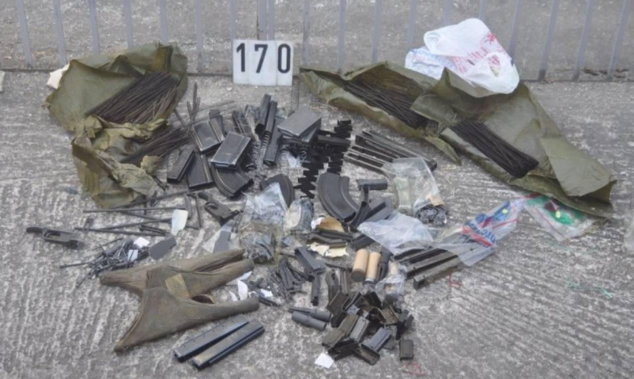 Πτολεμαΐδα: Έκρυβε οπλοστάσιο αλλά και πολλά αρχαία αντικείμενα (photos)