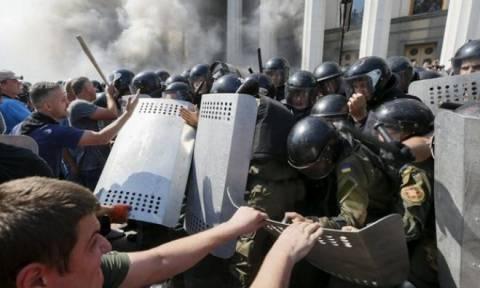 Καταδίκασε ο ΟΗΕ τις βίαιες συγκρούσεις στο Κίεβο