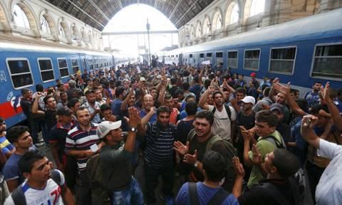 Aυστρία: Δέχθηκε 3.650 πρόσφυγες σε μια μέρα - Καλεί τη Γερμανία να αποσαφηνίσει τη στάση της