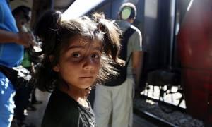 UNICEF: Το 1/3 των μεταναστών και προσφύγων που περνούν τα σύνορα είναι γυναίκες και παιδιά