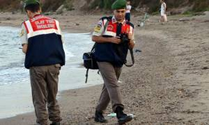 Ανατριχιαστικές φωτογραφίες: Η ανθρωπότητα ξεβράστηκε στην ακρογιαλιά της Τουρκίας...