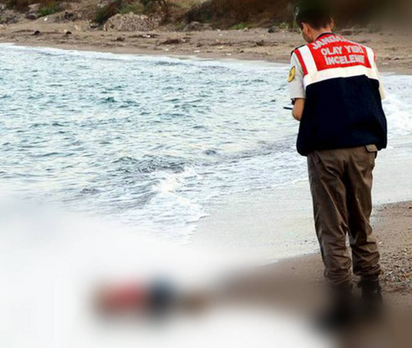 Ο 3χρονος 'Aιλαν είναι το νήπιο που ξεβράστηκε στις ακτές της Τουρκίας (pics+video)