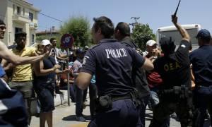 Νέα ένταση στο λιμάνι της Μυτιλήνης - Μετανάστες επιχείρησαν να εισβάλουν στο Blue Star 1
