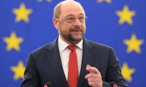 Σουλτς: Ντροπή για την Ευρώπη τα όσα γίνονται στα σύνορά μας