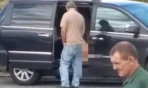 Βρετανία: Ξεδιάντροπη αυτοϊκανοποιούνταν σε βενζινάδικο (video)