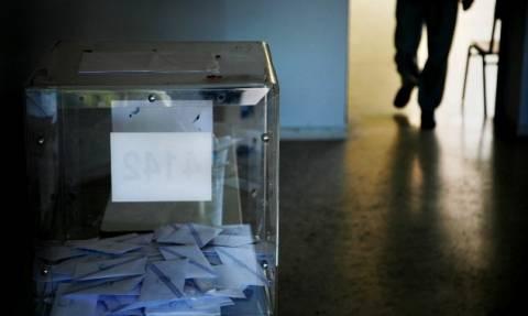 Εκλογές 2015 – «Θρίλερ» στο δρόμο για την κάλπη δείχνουν τρεις δημοσκοπήσεις