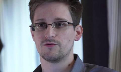 Ο Σνόουντεν θα επιστρέψει στις ΗΠΑ μόνον αν υπάρξουν εγγυήσεις για μια δίκαιη δίκη