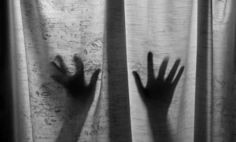 Σοκ στην Αργεντινή: Άνδρας κρατούσε σε κελί την ψυχικά ασθενή σύζυγό του και τον αυτιστικό γιο του