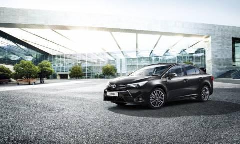 Toyota: Πέντε αστέρια για το Avensis