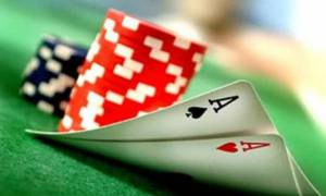 Ηράκλειο: Έφοδος της αστυνομίας σε καφενείο - 8 συλλήψεις για τυχερά παιχνίδια