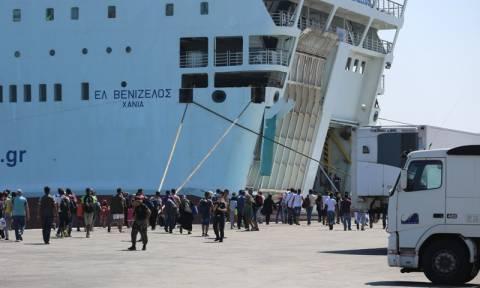 Λέσβος: Κινδύνευσαν μετανάστες στη θάλασσα - Στον Πειραιά έφτασε το «Ελευθέριος Βενιζέλος»